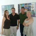 Equipo de Málaga cómo te quiero y miembros de la asociación Barrio Picasso
